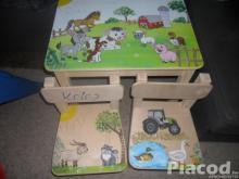 Farmos fa gyerekasztal két székkel kézzel festve