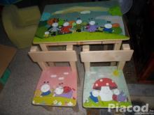 Egyedi fa gyerekasztal két székkel Bogyó és babóca