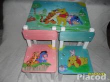 Fa gyerekasztal két székkel kézzel festve Micimackó