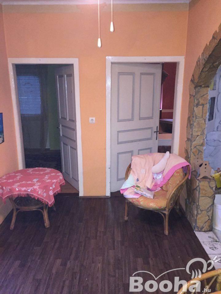 Tornyiszentmiklóson eladó családi ház, nyugodt környezetben!