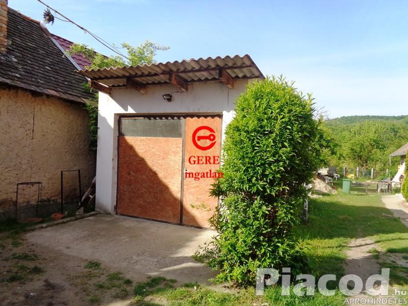 Kiváló lehetőség, akár falusi turizmus kialakítására ez a Söröző Ipolydamásdon.