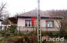 Eladó családi ház panorámás kilátással Tolmács településen.