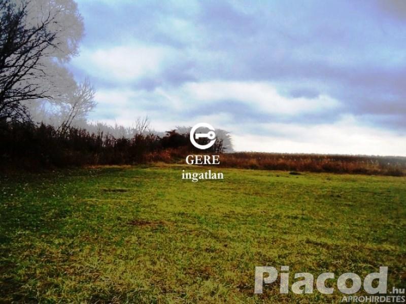 Eladó 13254 m2-es legelő, rét besorolású mezőgazdasági terület Váchartyánban.