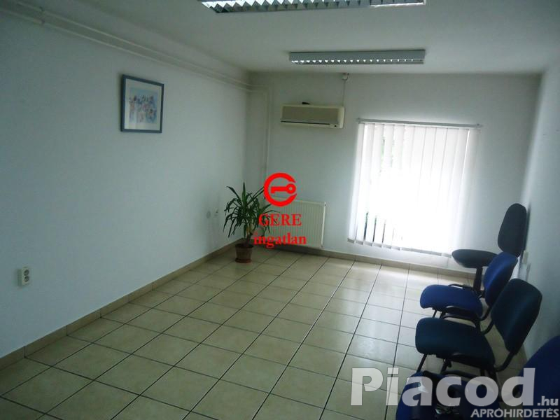 Kiadó 21 m2-es irodahelyiség július 1-től Vác központjától 5 percre.
