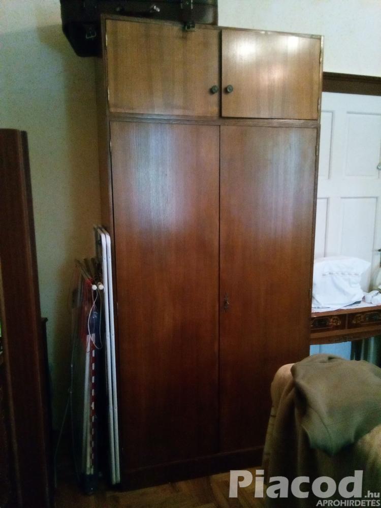 Eladó használt 2 részes ruhásszekrény