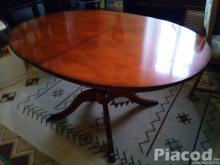 Eladó ovális, bővíthető étkezőasztal
