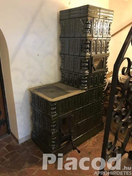 Eladó épített költséghatékony cserépkályhák régi idők kézműves csempékből