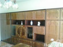 Eladó egy Intarziás szekrénysor hozzatartozó asztallal