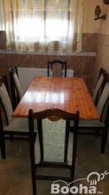 Fenyő asztal 6 db szèkkel