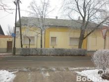 Eladó makói ház