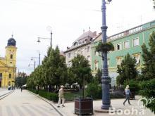 Debrecen belváros szívében lakás eladó! Befektetők figyelmébe!