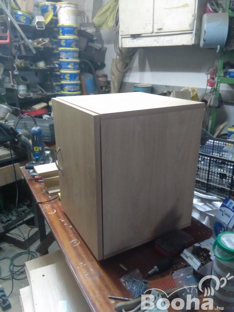 Kis szekrény,  éjjeli szekrény