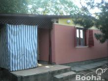 Balaton közelében nyaraló kis házzal eladó