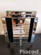 Eladó tükrös ékszeres doboz