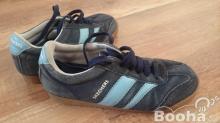 Használt 38-as női Skechers kék velúr utcai cipő eladó