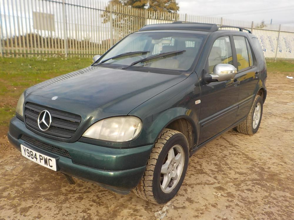 2001-mercedes-benz-ml270-cover-image