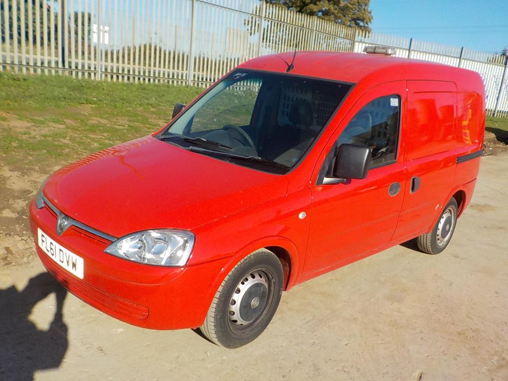 2011-vauxhall-combo46610512827-cover-image