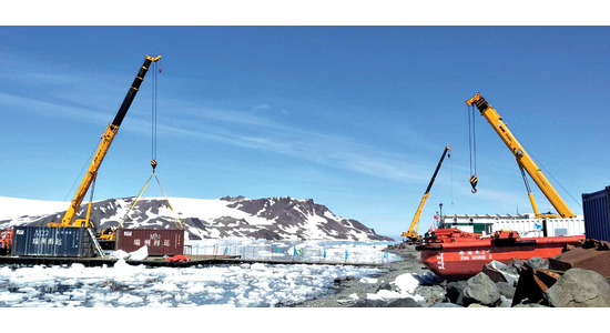 "CHALLENGE ANTARCTICA | WHAT XCMG CRANE ""ULTIMATE ABILITIES"" HELP A SCIENTIFIC RESEARCH STATION STAND IN ANTARCTIC BLIZZARD?"