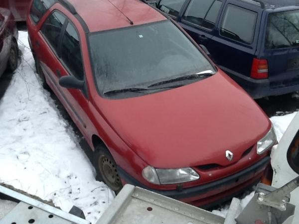 RENAULT LAGUNA I 1996 for parts, 10BY-6