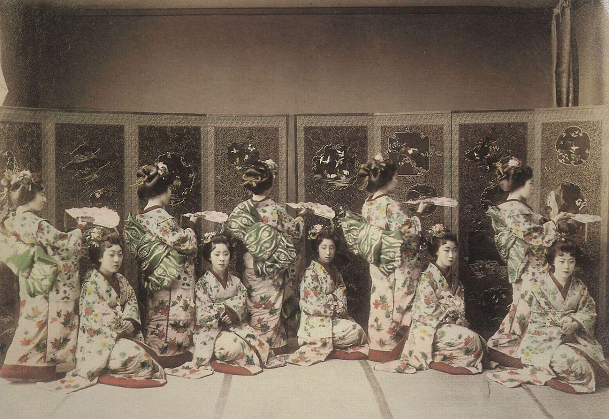 © Wikimedia Commons: Geishas