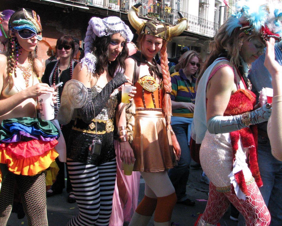 © Carnava.com Studio: Mardi Gras Fever