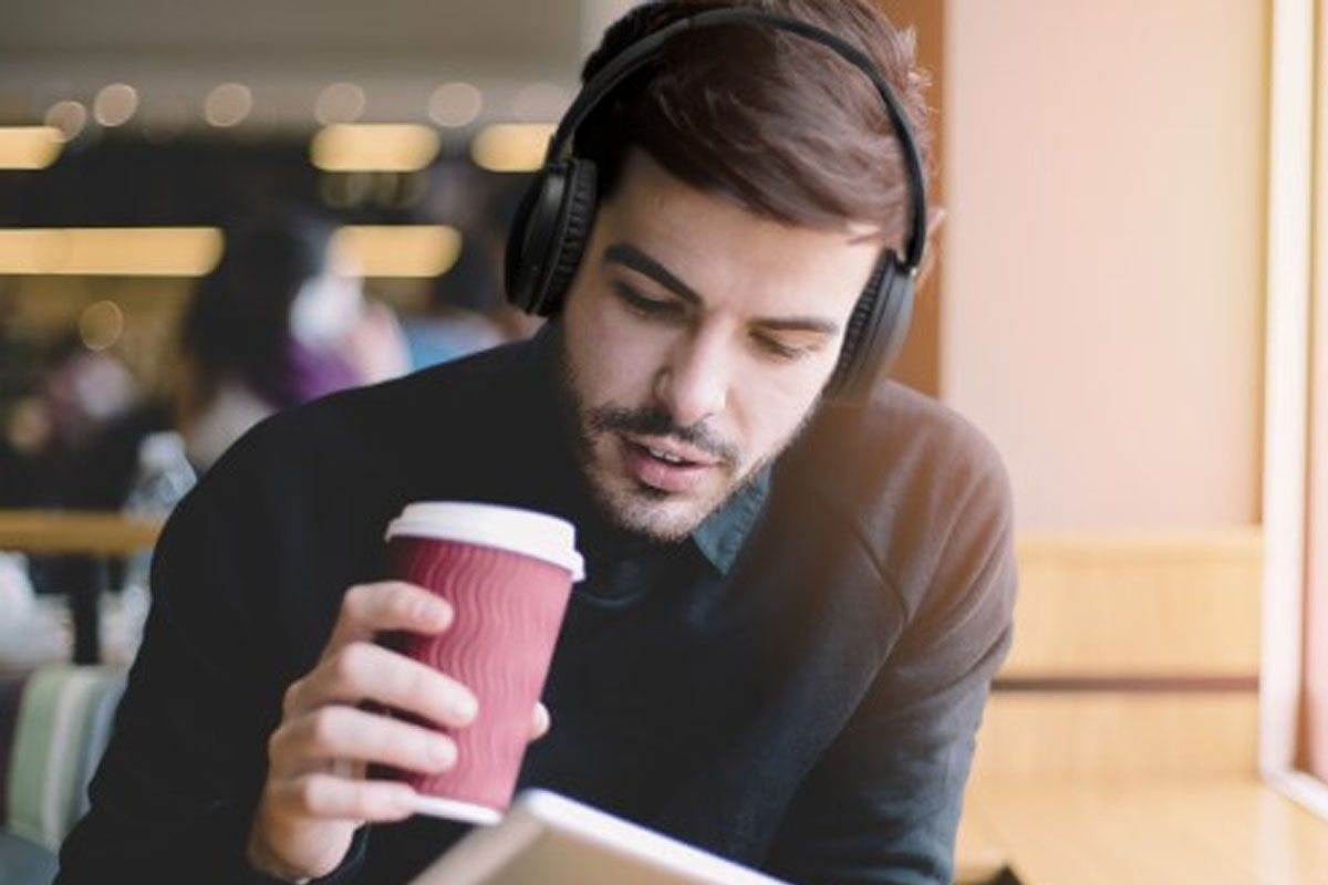 On-ear Bluetooth headset HA S70BT-E  c2ecad88ed