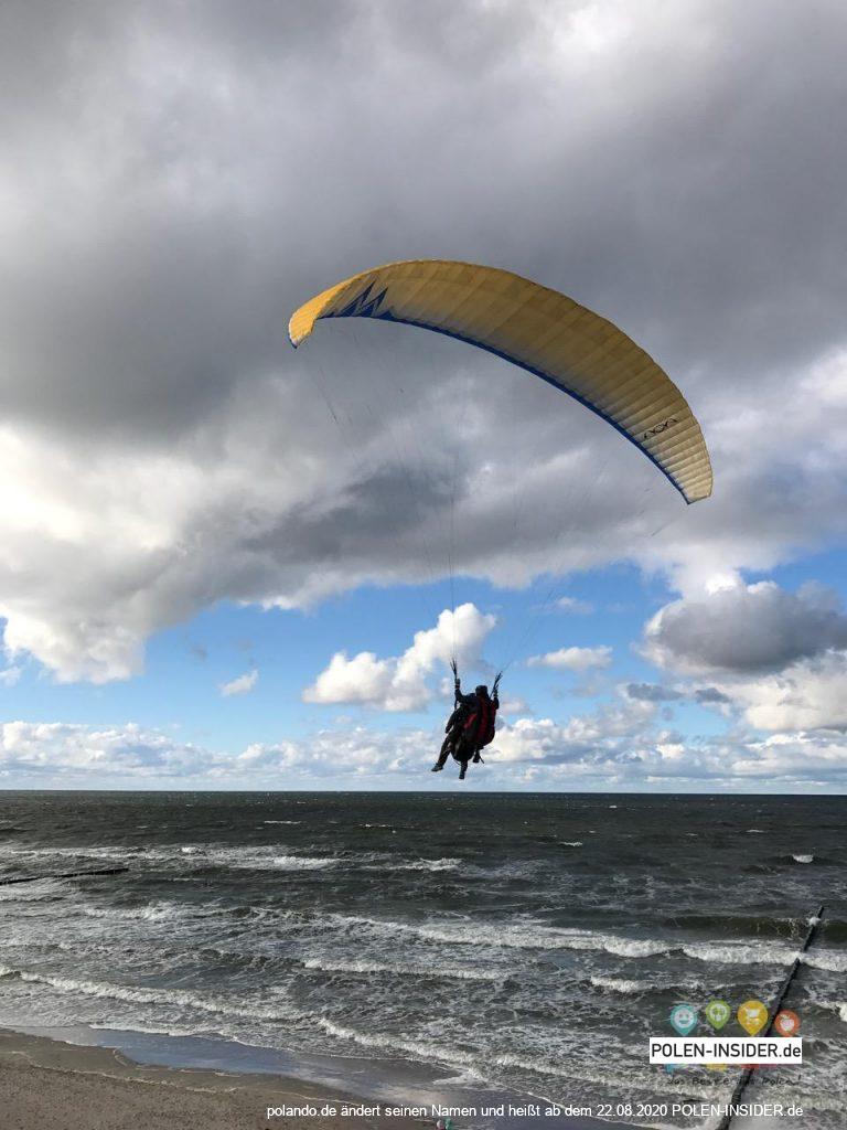 Gleitschirmfliegen an der polnischen Ostsee