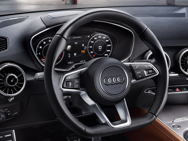 Audi_TT_Coupe_-_Interieur.jpg