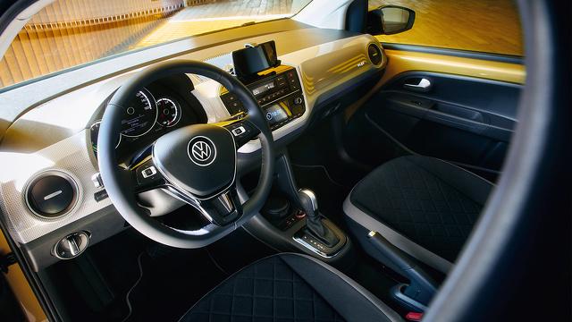 Volkswagen_e-up_-_2020_-_Afbeelding_4.jpg