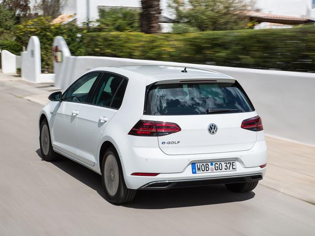Volkswagen_e-Golf_1.jpg