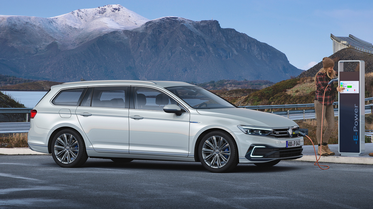 De_nieuwe_Volkswagen_Passat_Variant_-_Blok_1.jpg