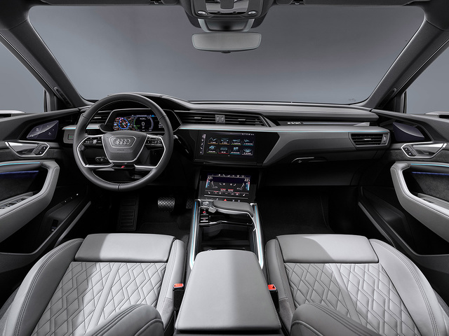 Audi_e-tron_Sportback_-_Modelpagina_-_2.jpg