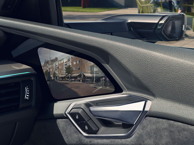 Audi_e-tron_Sportback_-_Modelpagina_-_3_-_Virtual_mirrors.jpg