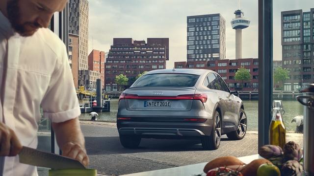 Audi_e-tron_Sportback_-_Modelpagina_Sfeer_3.jpg