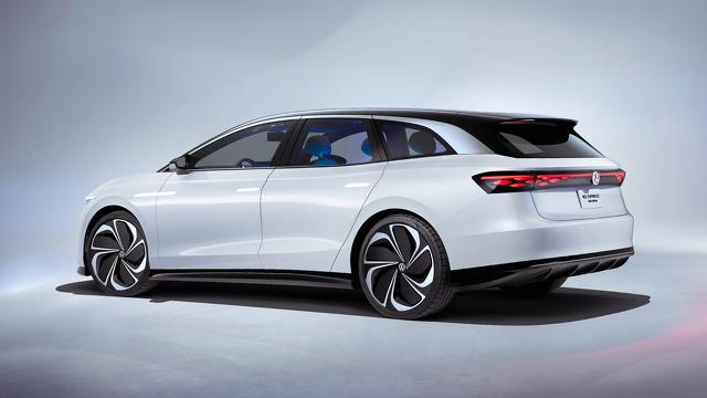 Volkswagen_ID_SPACE_VIZZION_modelfoto_8.jpg