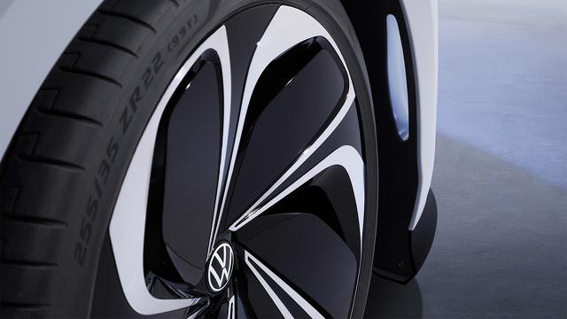 Volkswagen_ID_SPACE_VIZZION_modelfoto_5.jpg
