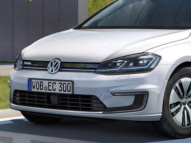 Volkswagen_e-Golf_LED_koplampen.jpg