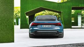 Audi_e-tron_GT_en_Audi_RS_e-tron_GT_onthuld_25.jpg