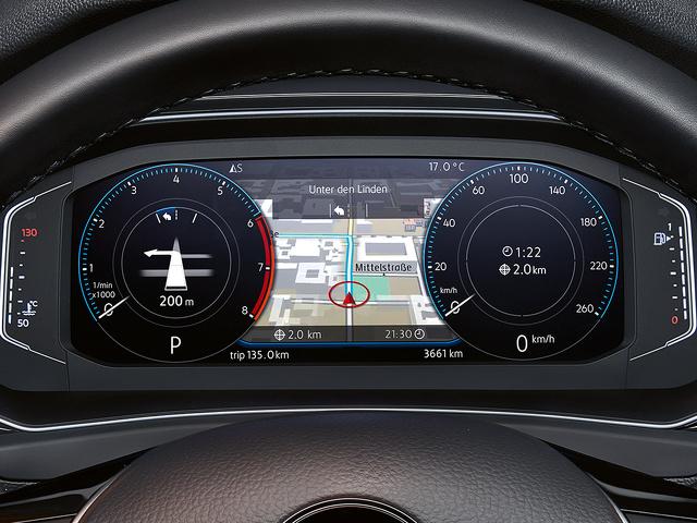 Volkswagen_T-Roc_Active_Info_Display.jpg
