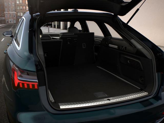 Audi_A6_Avant_-_Bagageruimte.jpg