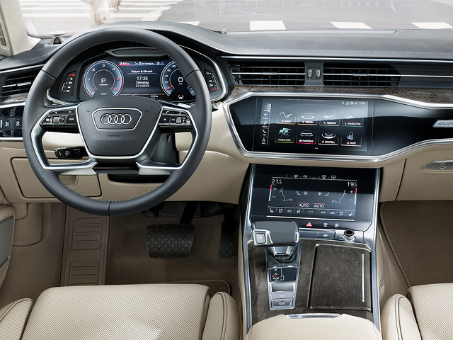 Audi_A6_Limousine_Interieur_2.jpg
