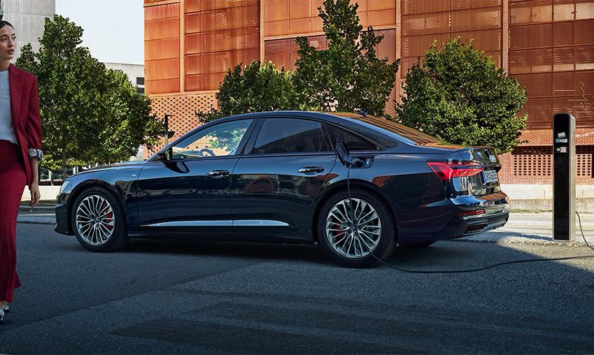 Audi_A6_plug-in_hybride.jpg
