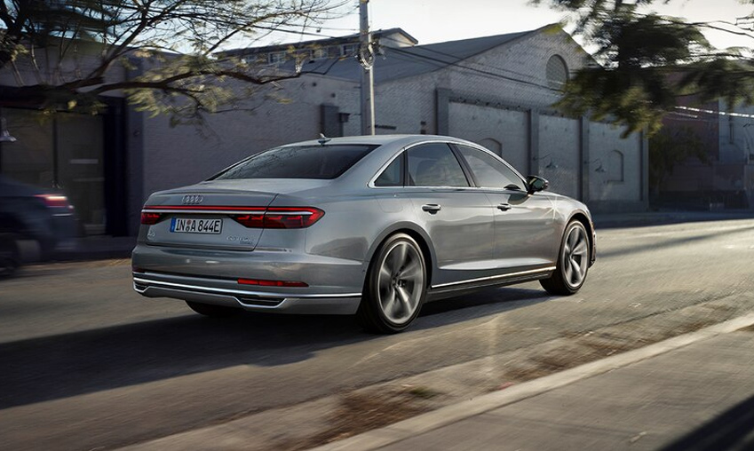 Audi_A8_plug-in_hybride.jpg