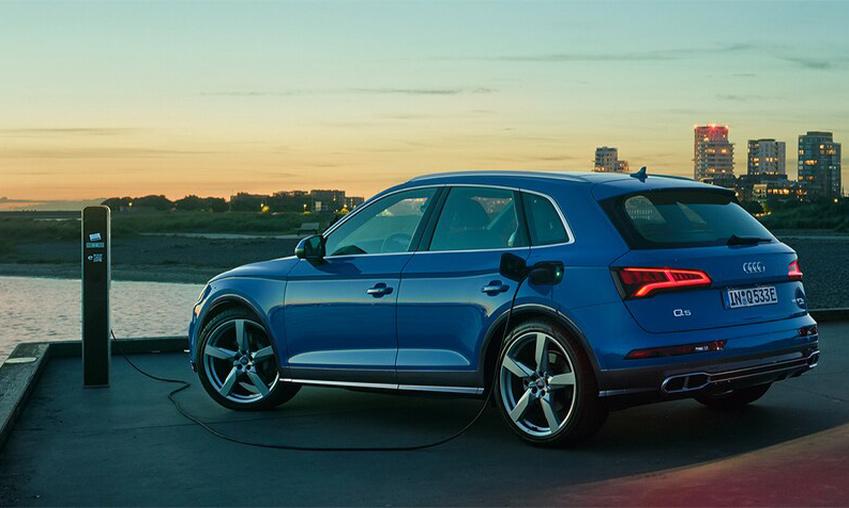 Audi_Q5_plug-in_hybride.jpg