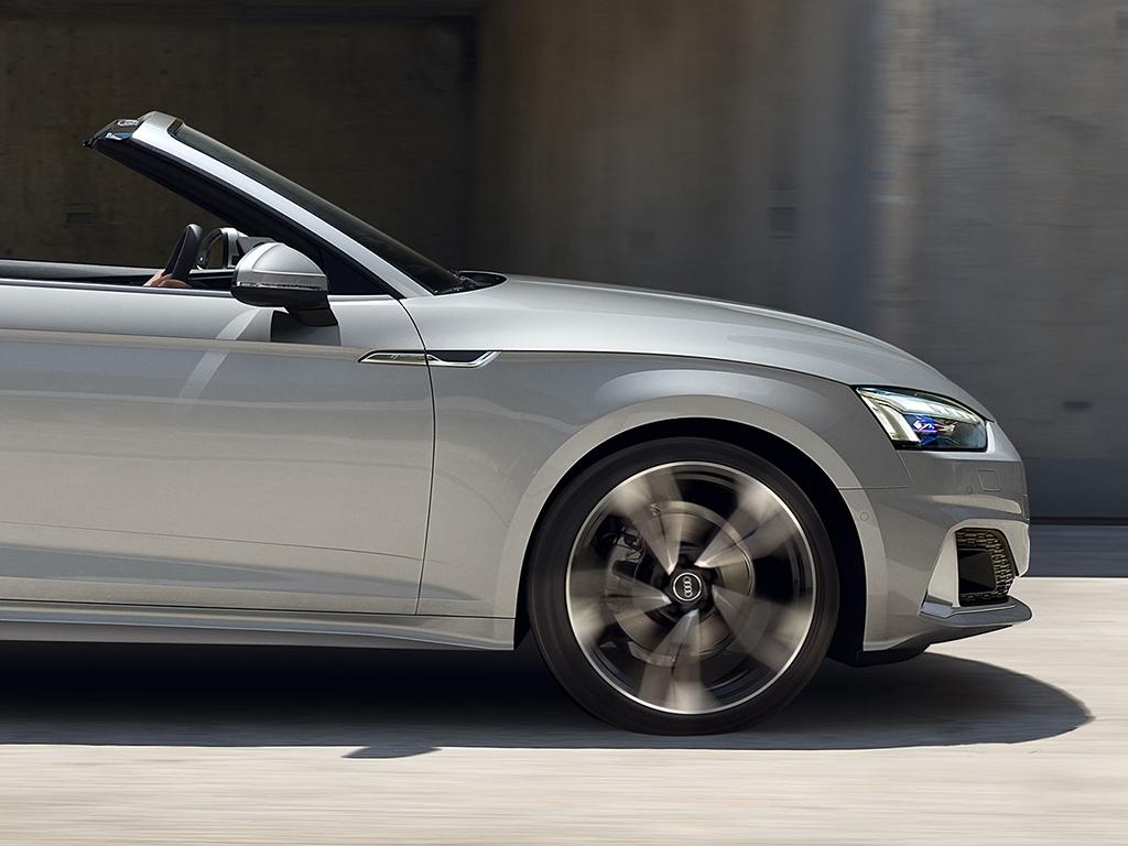 Audi_A5_Cabriolet_-_Dynamische_besturing.jpg
