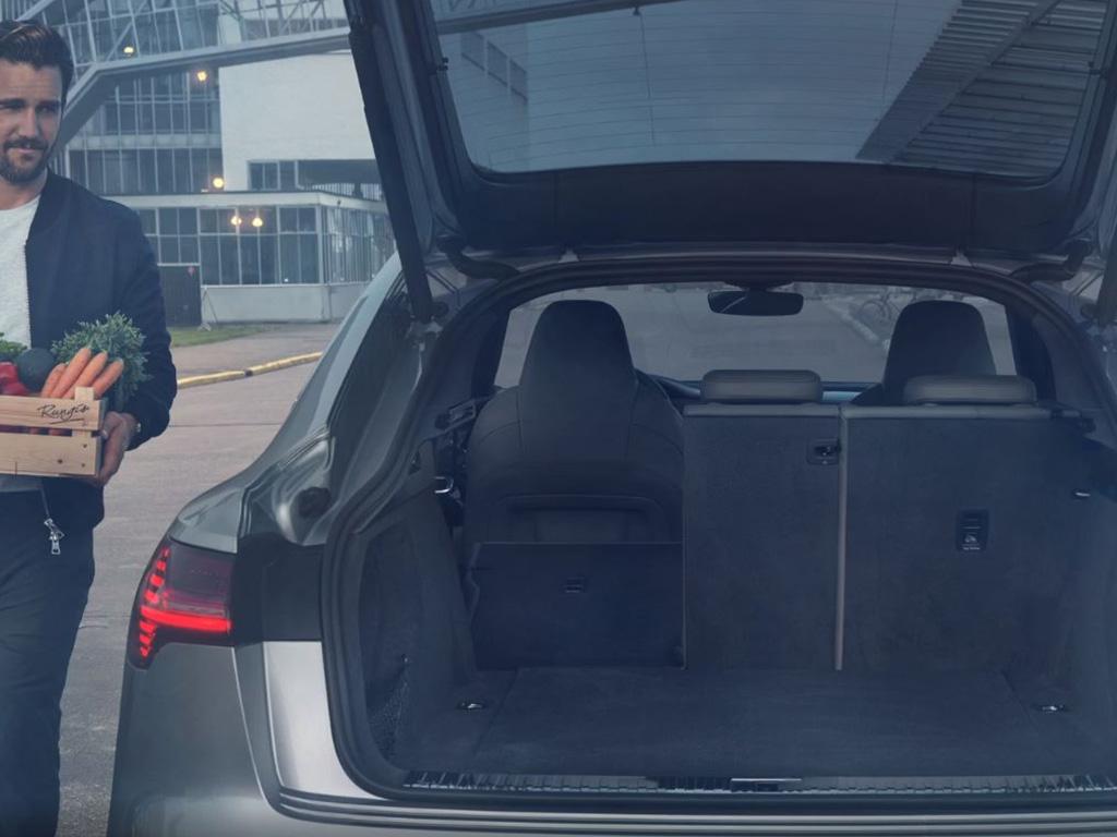 Audi_e-tron_Sportback_-_Modelpagina_-_4_-_Bagageruimte.jpg