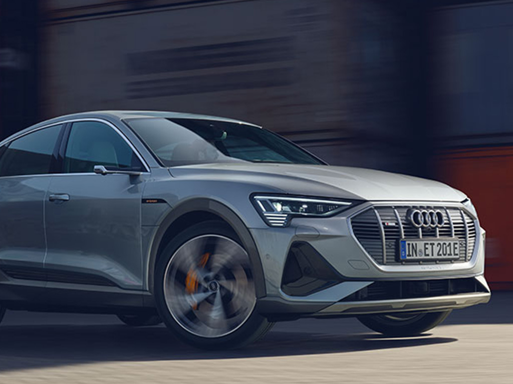 Audi_e-tron_Sportback_-_Modelpagina_-_6_-_Dynamisch_rijden.jpg