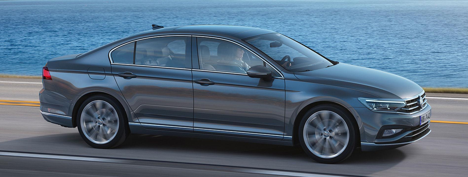 De Volkswagen Passat limousine