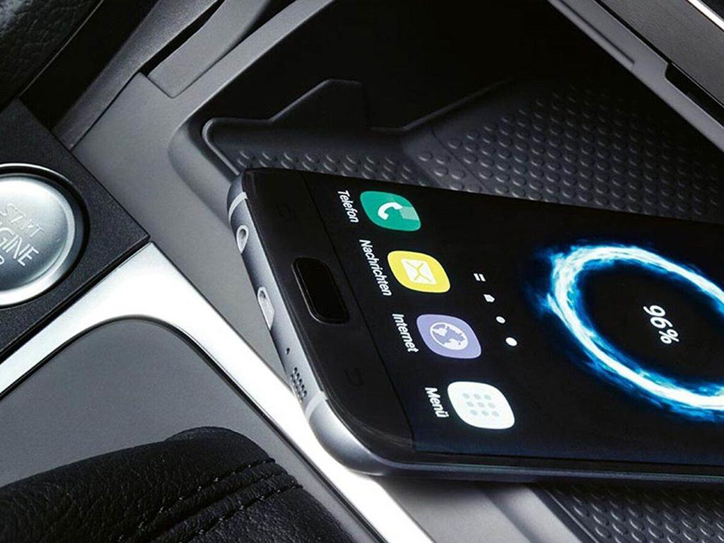 Volkswagen e-Golf draadloos opladen