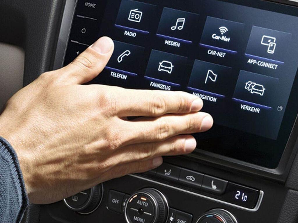 Volkswagen e-Golf gesture control